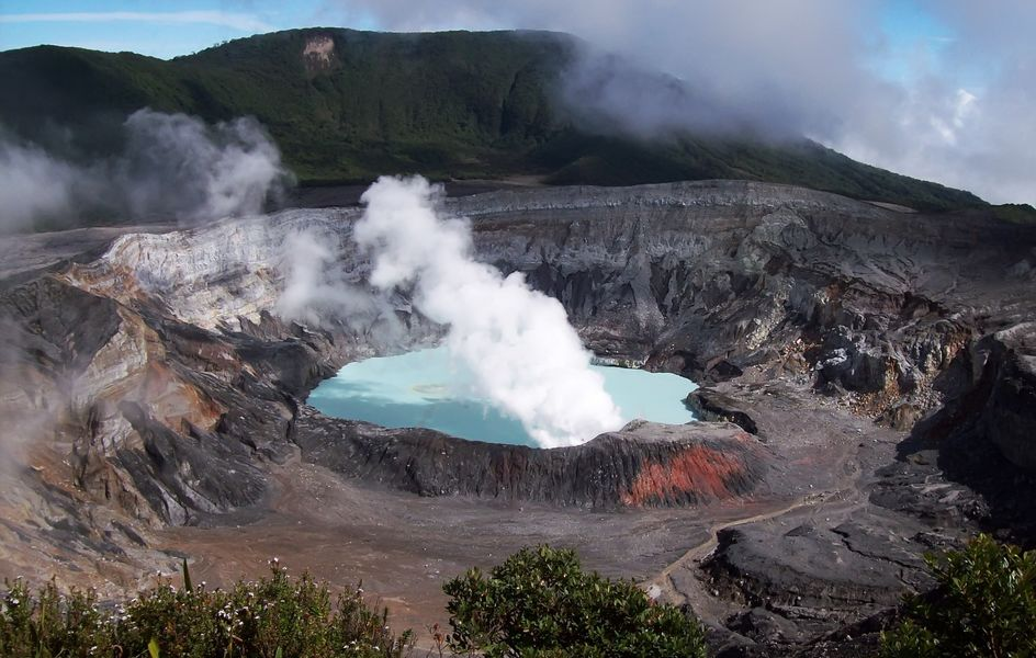 The Poas volcano is the scene of this incredible challenge: POAS8!
